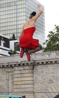 flamenc'a fil de fer equilibre echassiers spectacle parade animation cirque evenementiel (14)