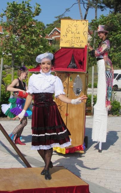 boite a merveilles spectacle cirque parade claquettes fil de fer tissu mat chinois danse musique live original merveilleux fantastique 1900 jonglerie (2)
