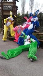 Lapinous' Foufous echassiers rebondissants loufoques parade animation evenementiel lapins fantaisie extravagance sautillants mascottes paques (36)