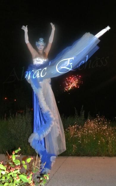 4 elements echassiers eau terre air feu sirene elfe maya cracheur de feu parade animation spectacle carnaval magique colores (1)