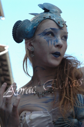 4 elements echassiers eau terre air feu sirene elfe maya cracheur de feu parade animation spectacle carnaval magique colores (20)