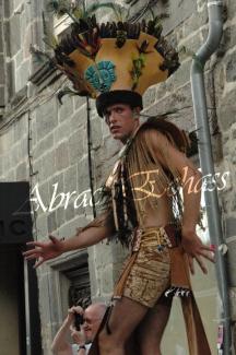4 elements echassiers eau terre air feu sirene elfe maya cracheur de feu parade animation spectacle carnaval magique colores (24)