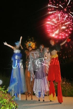 4 elements echassiers eau terre air feu sirene elfe maya cracheur de feu parade animation spectacle carnaval magique colores (40)