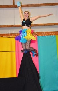 boite à merveilles spectacle rue cirque festival mat chinois fil de fer clowns jongleurs aerien girly kawai(118)