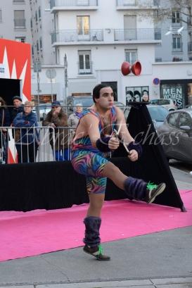boite à merveilles spectacle rue cirque festival mat chinois fil de fer clowns jongleurs aerien girly kawai(16)