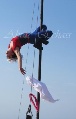 boite à merveilles spectacle rue cirque festival mat chinois fil de fer clowns jongleurs aerien girly kawai(165)