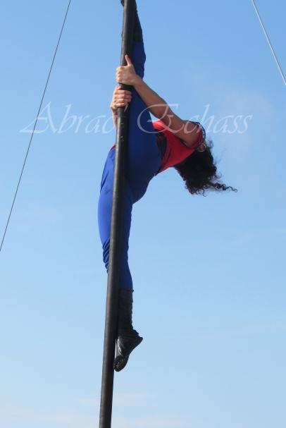 boite à merveilles spectacle rue cirque festival mat chinois fil de fer clowns jongleurs aerien girly kawai(169)