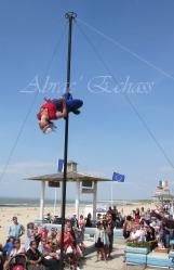 boite à merveilles spectacle rue cirque festival mat chinois fil de fer clowns jongleurs aerien girly kawai(174)