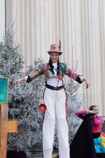 boite à merveilles spectacle rue cirque festival mat chinois fil de fer clowns jongleurs aerien girly kawai(19)