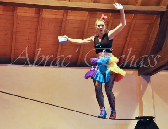 boite à merveilles spectacle rue cirque festival mat chinois fil de fer clowns jongleurs aerien girly kawai(34)