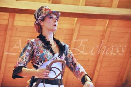 boite à merveilles spectacle rue cirque festival mat chinois fil de fer clowns jongleurs aerien girly kawai(40)