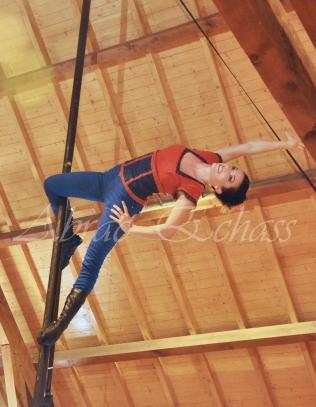 boite à merveilles spectacle rue cirque festival mat chinois fil de fer clowns jongleurs aerien girly kawai(75)