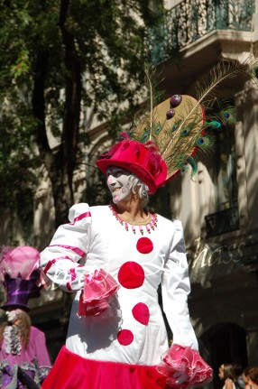 bulles de bonheur echassier parade colores festifs carnaval grandiose crinolines bulles de savon rose girly kawai (26)