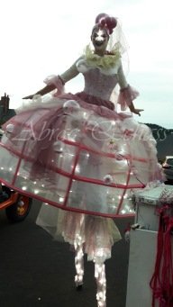 bulles de bonheur echassier parade colores festifs carnaval grandiose crinolines bulles de savon rose girly kawai (4)