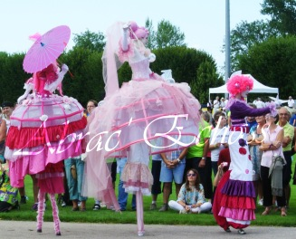 bulles de bonheur echassier parade colores festifs carnaval grandiose crinolines bulles de savon rose girly kawai (40)