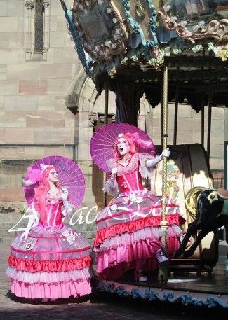 bulles de bonheur echassier parade colores festifs carnaval grandiose crinolines bulles de savon rose girly kawai (59)