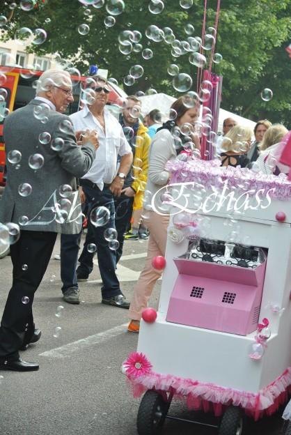 bulles de bonheur echassier parade colores festifs carnaval grandiose crinolines bulles de savon rose girly kawai (63)