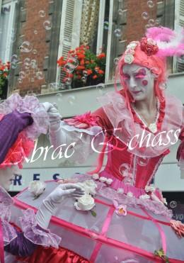 bulles de bonheur echassier parade colores festifs carnaval grandiose crinolines bulles de savon rose girly kawai (65)