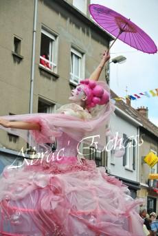 bulles de bonheur echassier parade colores festifs carnaval grandiose crinolines bulles de savon rose girly kawai (69)
