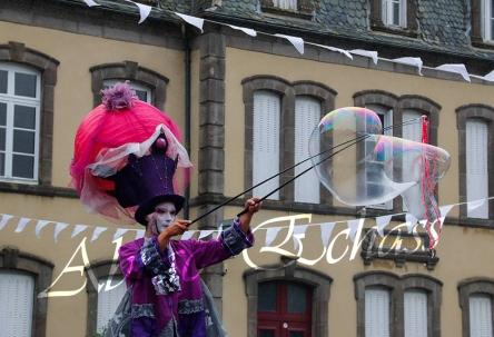 bulles de bonheur echassier parade colores festifs carnaval grandiose crinolines bulles de savon rose girly kawai (71)