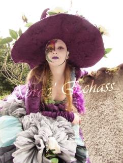 clowns en ciel echassiers colores oiseaux fleurs festifs parade animation carnaval evenementiel bulles de savon danse chapeau vertigineux froufro (81)