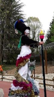 clowns en ciel echassiers colores oiseaux fleurs festifs parade animation carnaval evenementiel bulles de savon danse chapeau vertigineux froufro (99)