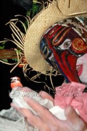 echass epouvantails echassiers venitiens paysans champetre campagne parade animation spectacle clowns danse (20)