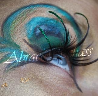 echass et toiles echassiers dali femme paon plumes de paon crinoline parade animation evenementiel grandiose magnifiques (14)