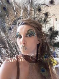 echass et toiles echassiers dali femme paon plumes de paon crinoline parade animation evenementiel grandiose magnifiques (21)