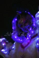 echass neige echassiers lumineux leds hiver fourrures colores parade noel marches noel animation char a neige musical magique feerique (15)