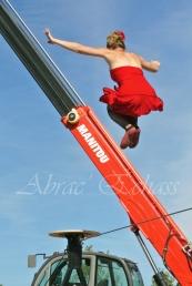 flamenca danse sur fil de fer danse flamenco spectacle rouge et noir cirque animation evenementiel guitare espagnol gitan (13)