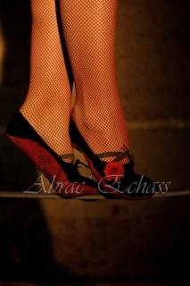 flamenca danse sur fil de fer danse flamenco spectacle rouge et noir cirque animation evenementiel guitare espagnol gitan (20)