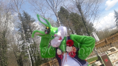 Lapinous' Foufous echassiers rebondissants loufoques parade animation evenementiel lapins fantaisie extravagance sautillants mascottes paques (17)