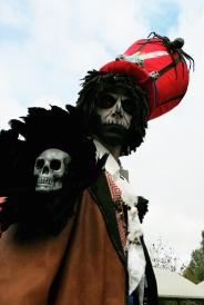 Mysterious voodoo echasses halloween walibi parade dia de los muertos vaudous (84)